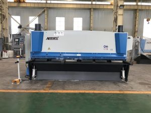 Hydraulic guillotine shearing machine 3200mm x 8mm with pneumatic material support
