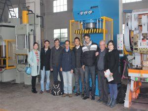 Перу делегациясы зауытқа келіп, машиналарды сатып алды